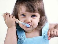 Hướng dẫn vệ sinh răng miệng cho trẻ em.